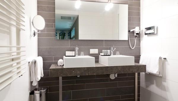 Badkamer En Suite : Zimmer hotel de lindeboom texel den burg