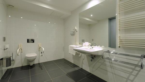 https://www.hoteldrachten.nl/inc/hotels/20/rooms/285/mobile-retina/carousel_1024x768_42BA87C6-4F99-4869-A3FE4B718ED5263C.jpg