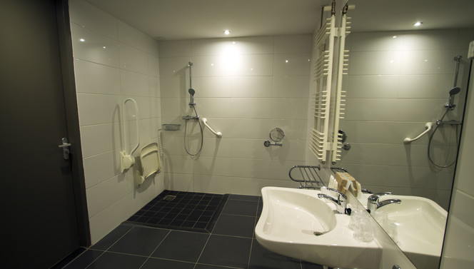 Room with disability access Hotel Drachten